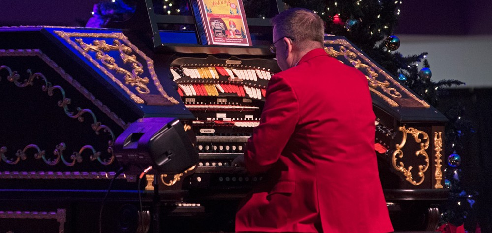 Walt Strony makes his second appearance on the Albee Mighty Wurlitzer Organ.