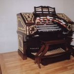 Wurlitzer Console on movable platform in display room