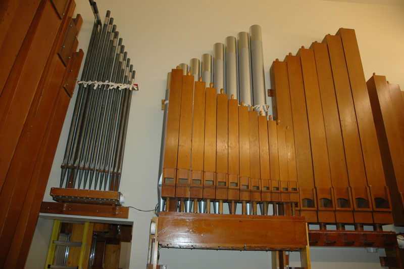 In the Main Chamber: 16′ Bourdons, 8′ Flute, with Diapason behind, and the expression shades on the right.