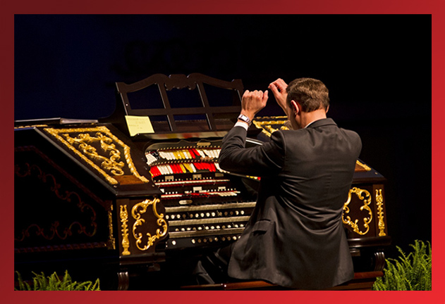 Organist Jelani Eddington
