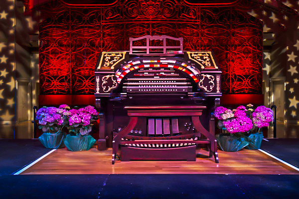 The Albee Mighty Wurlitzer Organ, ready for a performance in Cincinnati Music Hall's Ballroom